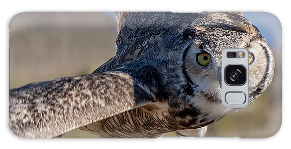 Great Horned Owl In Flight - Coming At-cha Galaxy Case