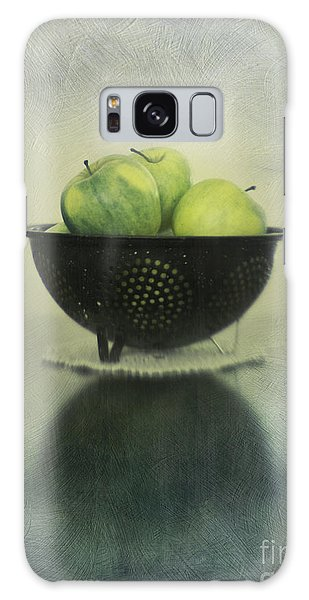 Still Life Galaxy Case - Green Apples In An Old Enamel Colander by Priska Wettstein