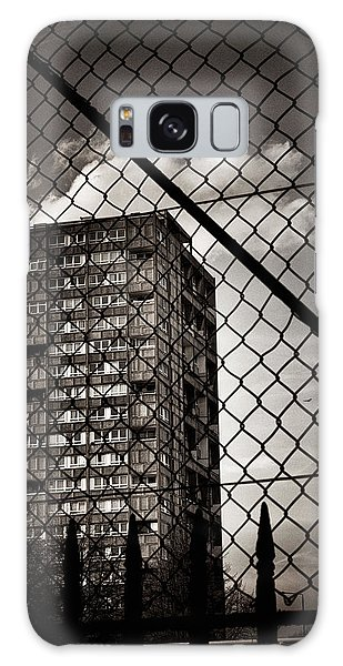 Gritty London Tower Block And Fence - East End London Galaxy Case