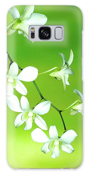 Hanging White Orchids Galaxy Case