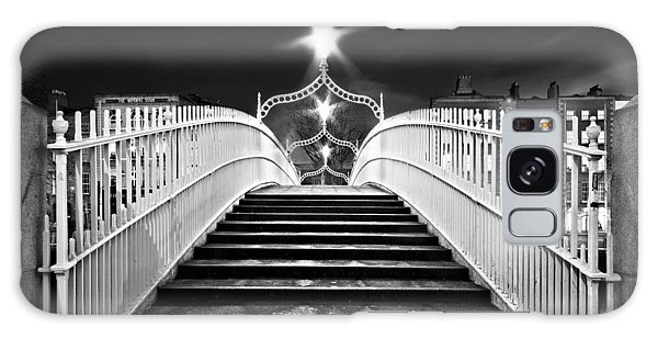 Galaxy Case featuring the photograph Ha'penny Bridge Steps - Dublin - Black And White by Barry O Carroll