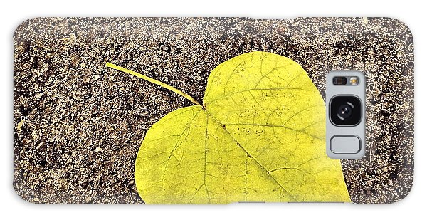 Heart Shaped Leaf On Pavement Galaxy Case