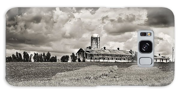 Hilltop Barn Under Storm Clouds 2 Bw Galaxy Case