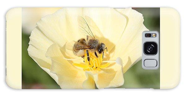 Honeybee On Cream Poppy Galaxy Case