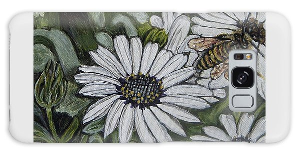 Honeybee Taking The Time To Stop And Enjoy The Daisies Galaxy Case by Kimberlee Baxter