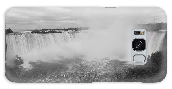 Horseshoe Falls - Autumn - B N W Galaxy Case