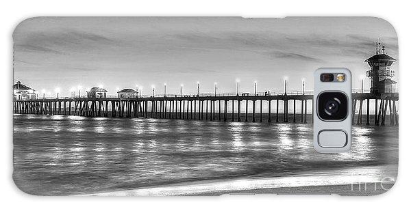 Huntington Beach Pier Twilight - Black And White Galaxy Case by Jim Carrell