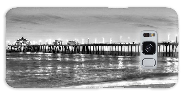 Huntington Beach Pier Twilight - Black And White Galaxy Case