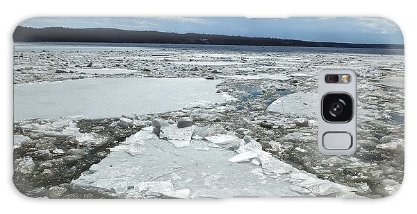 Galaxy Case featuring the photograph Ice Flowing Down The Hudson River by Kristen Fox