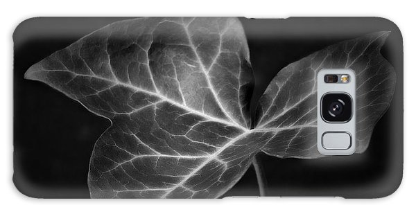 Black And White Flowers Macro Photography Art Work Galaxy Case