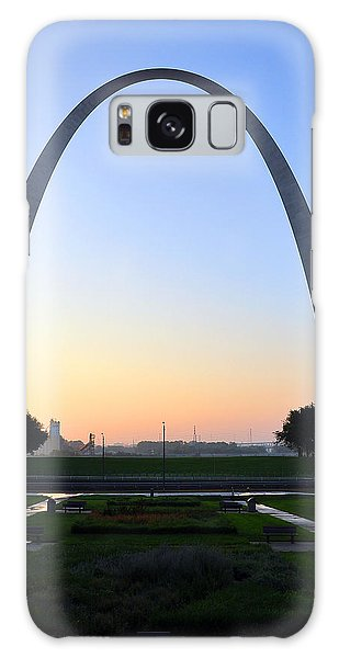 Galaxy Case featuring the photograph Jefferson National Expansion Memorial by Matthew Chapman