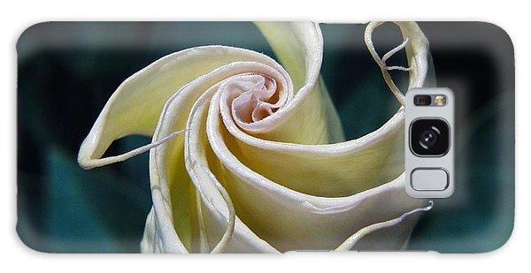 Jimsonweed Flower Spiral Galaxy Case