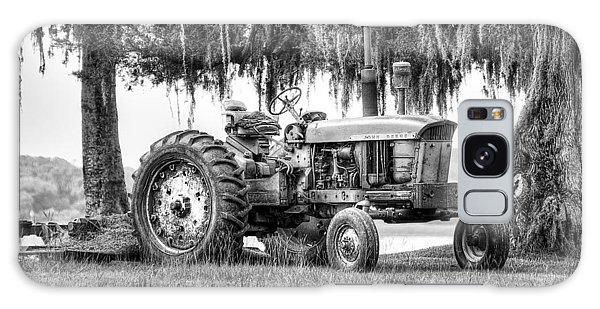 John Deer Tractor Under The Old Cedar Galaxy Case