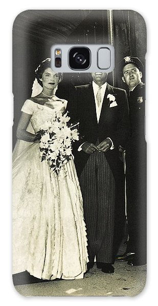 John F Kennedy And Jacqueline On Wedding Day Galaxy Case