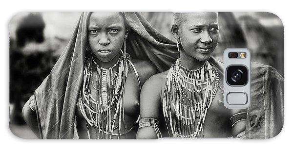 Scarf Galaxy Case - Karo Girls Sharing A Scarf by Piet Flour