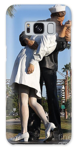 Kissing Sailor - The Kiss - Sarasota Galaxy Case by Christiane Schulze Art And Photography