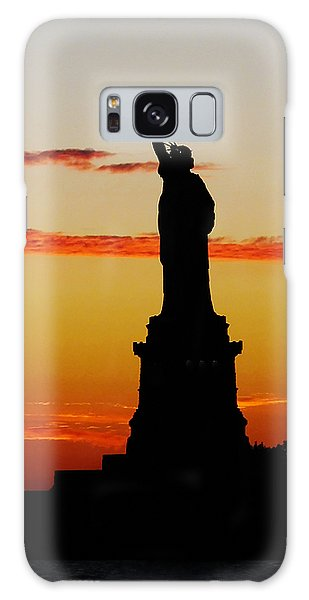 Lady Liberty At Sunset Galaxy Case