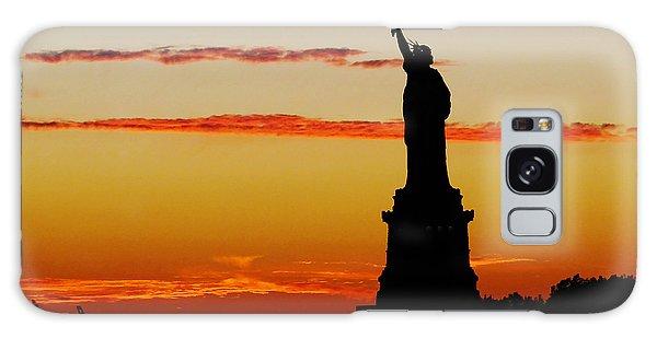 Lady Liberty At Sunset Galaxy Case
