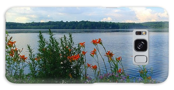 Lake Muscenetcong And Wild Flowers In Netcong New Jersey Galaxy Case