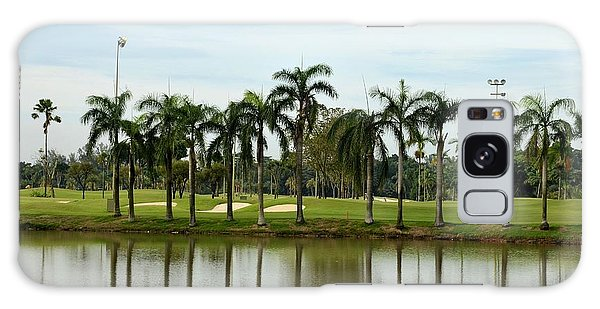 Lake Sand Traps Palm Trees And Golf Course Singapore Galaxy Case
