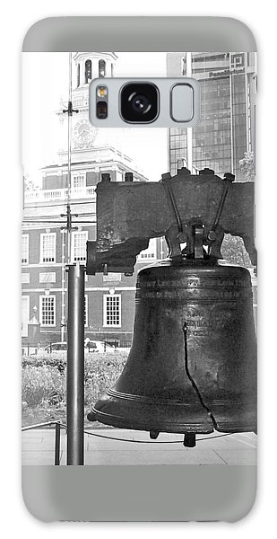Liberty Bell And Independence Hall Bw Galaxy Case