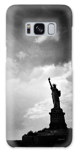 Liberty Enlightening The World Galaxy Case