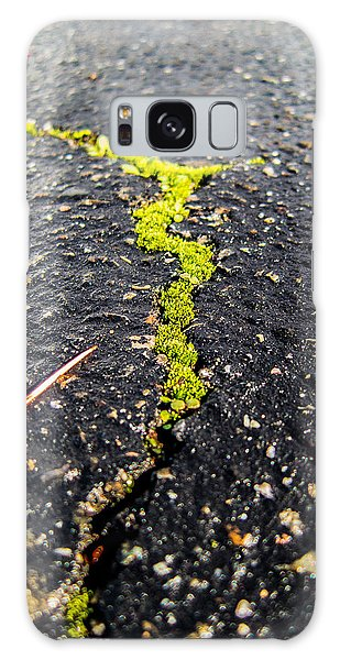 Life Between The Cracks Galaxy Case by Mike Lee