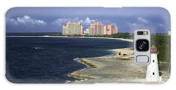 Lighthouse On Colonial Beach With Atlantis Paradise Resort Bahamas Galaxy Case