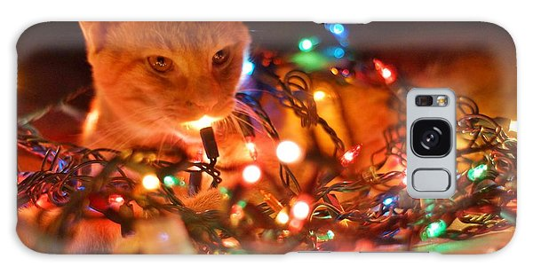 Lighting Up The Christmas Cat Galaxy Case