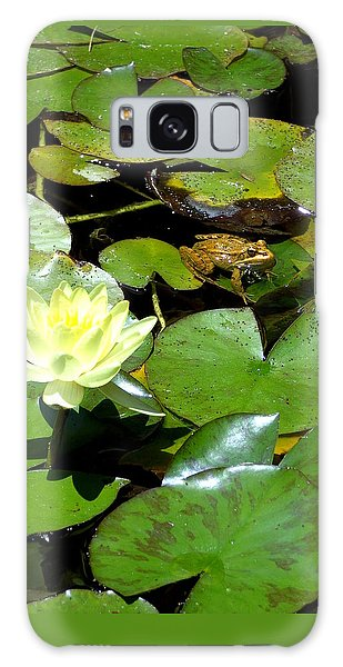 Lily And Amphibian Friend Galaxy Case