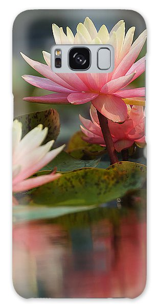 Lily Reflections 2 Galaxy Case