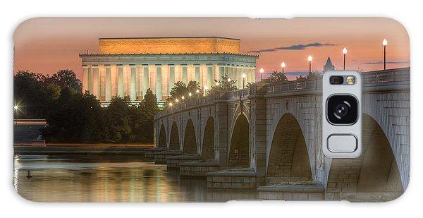 Lincoln Memorial And Arlington Memorial Bridge At Dawn I Galaxy Case