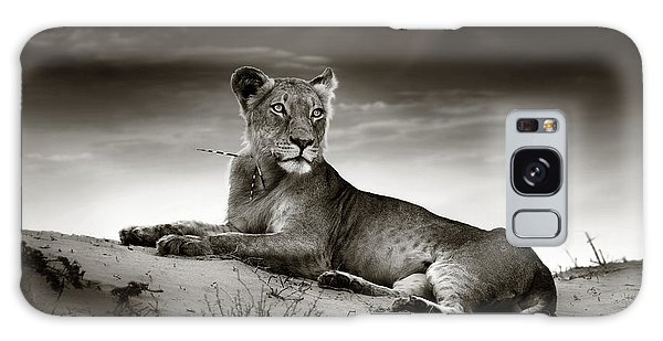 Sand Dunes Galaxy Case - Lioness On Desert Dune by Johan Swanepoel