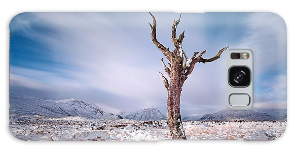 Lone Tree In The Snow Galaxy Case