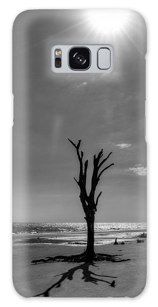 Long Shadow On Jekyll Island In Black And White Galaxy Case
