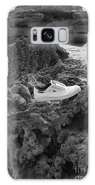 Lost On The Beach Galaxy Case by Amanda Holmes Tzafrir