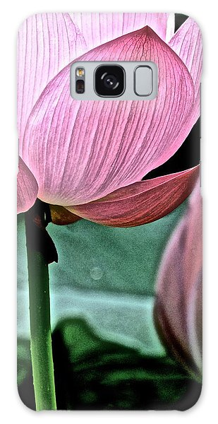 Lotus Heaven - 129 Galaxy Case by Larry Knipfing