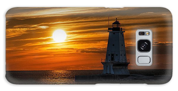 Ludington Pier Lighthead At Sunset Galaxy Case