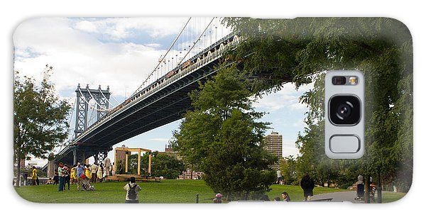 Manhattan Bridge And Park Galaxy Case
