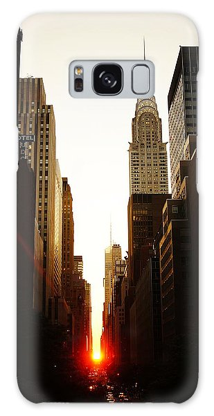 City Scenes Galaxy S8 Case - Manhattanhenge Sunset And The Chrysler Building  by Vivienne Gucwa