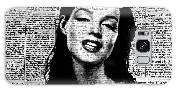 Marilyn Monroe On Vintage Newspaper Galaxy Case