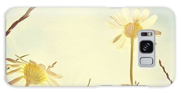 Summer Galaxy Case - #mgmarts #daisy #all_shots #dreamy by Marianna Mills