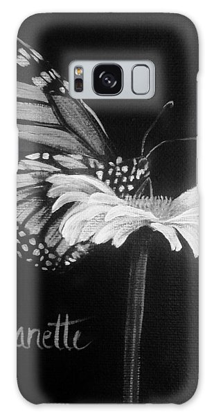 Monarch On A Daisy Galaxy Case