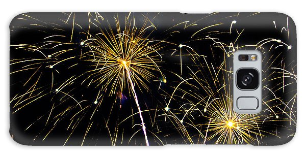 Moon Over Golden Starburst- July Fourth - Fireworks Galaxy Case