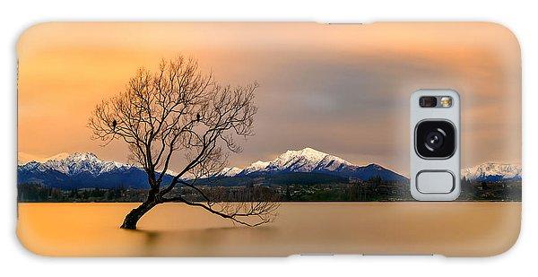 Lake Galaxy Case - Morning Glow Of The Lake Wanaka by Hua Zhu