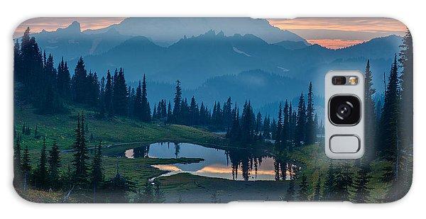 Mount Rainier Layers Galaxy Case