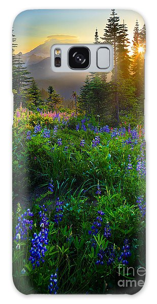 Sunset Galaxy Case - Mount Rainier Sunburst by Inge Johnsson