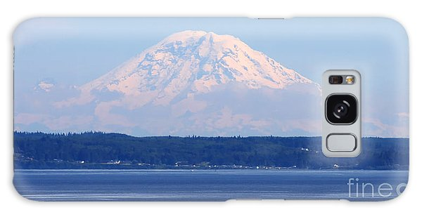 Mount Rainier Galaxy Case