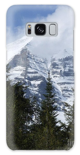 Mount Robson - Spindrift Galaxy Case by Phil Banks