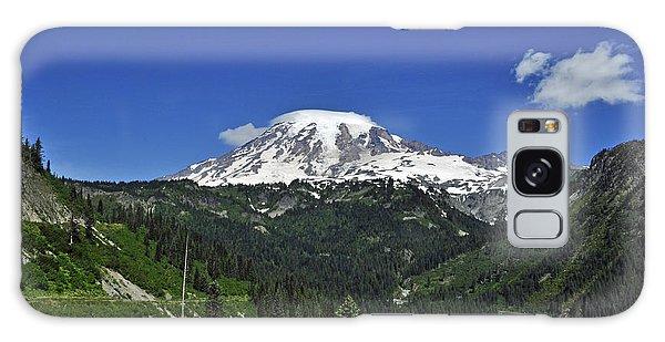 Mt Rainier Between The Valley Galaxy Case